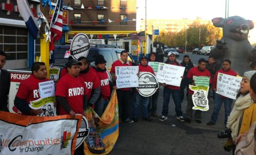 RWDSU carwasheros in Queens, New York, walked off the job on Friday, forcing their employers to sit down for contract negotiations.