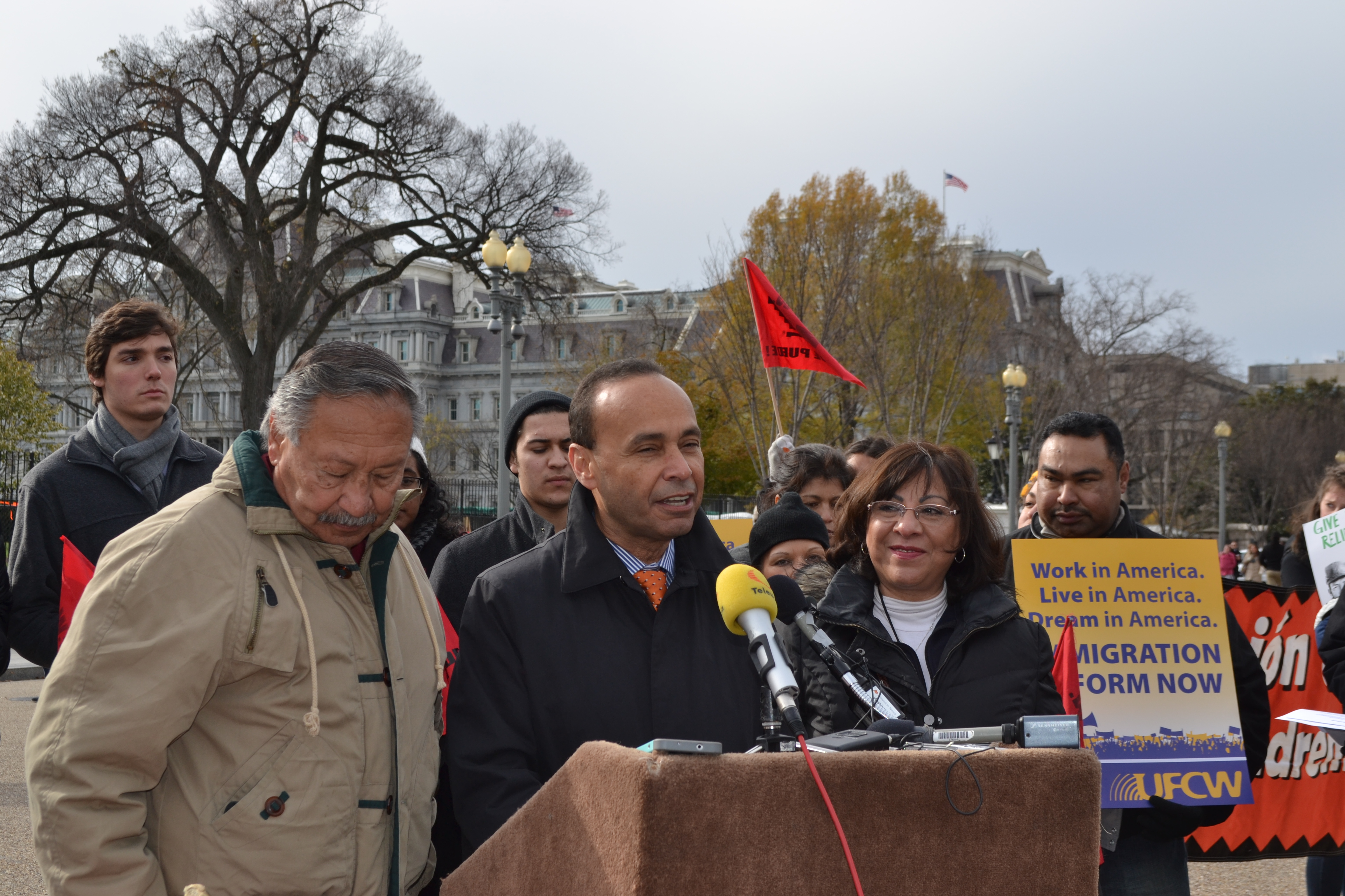 Gutierrez Joins Food Processing And Farm Workers In Thanksgiving  Immigration Rally In Front Of White House