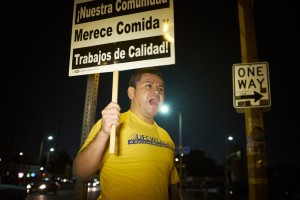 El Super protester sign